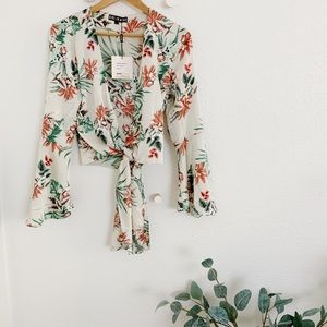 TROPICAL PRINT FLUTED WRAP SLEEVE TOP (With Tag!)